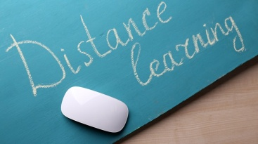 the-history-of-distance-learning-infographic